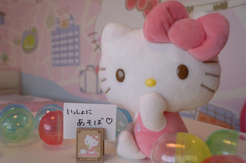 オリジナル☆「ハローキティメモスタンド」がカプセルトイで 登場!